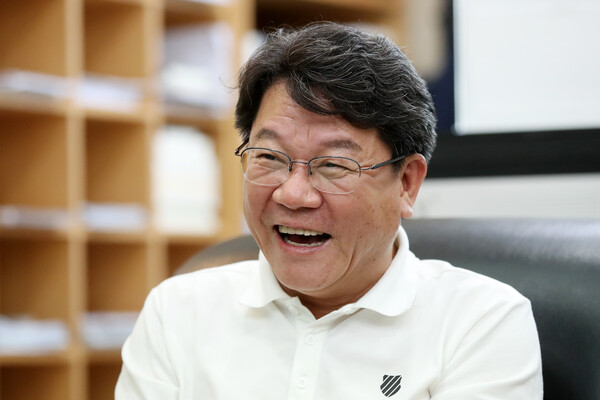 고존수 제8대 후반기 건설교통위원장 경인일보 인터뷰 사진